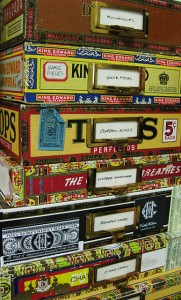 Caixas de cigarros (c) Kate Holden @ Flickr