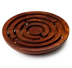 (c) Labirinto de madeira
