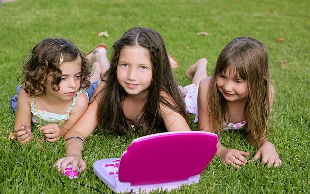 (c) greenlight for girls @ Flickr